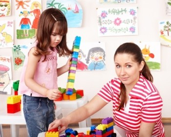 how to become a childcarer